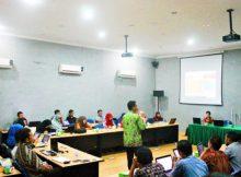 Foto: RJI Kalbar dan (UPT TIK) Universitas Tanjungpura saat menyelenggarakan kegiatan Workshop Pengelolaan Jurnal Berbasis Open Journal System (OJS) di gedung UPT TIK Untan, pada Sabtu (1/4) pagi/Viky